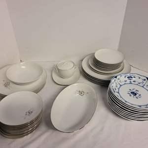 Lot #250 - Germany Christineholm Porcelaine Echt Cobalt Bowls and Sango China Pieces. See Descrip for Pieces
