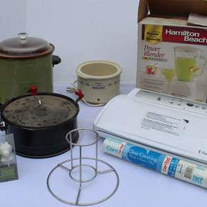 Lot #254 - Food Saver, Cheese Buttons, Stovetop Popcorn, Crockpots, Hamilton Beach Blender