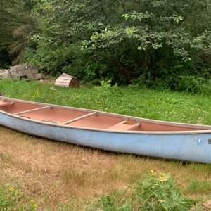 Lot #321 - Vintage Pere Marquette 15.5' Fiberglass Canoe