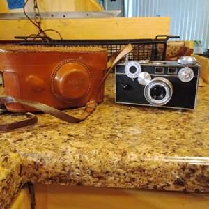 Lot #35 - Vintage The Original ARGUS C-3 'BRICK' Camera with Case