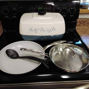 Lot #53 - Kitchen Cookware Fry Pans Clean and Ready to Use