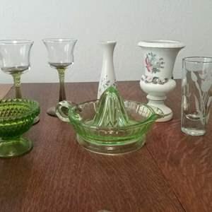 Lot #125-KL:  Vaseline Glass Juicer and more