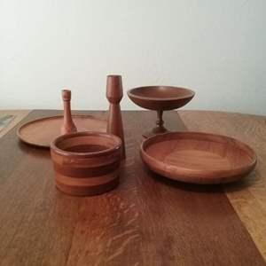 Lot #126-KL:  Wood Kitchen / Serving Items