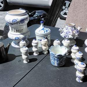 Lot 197-D:  Blue Onion Pottery and more