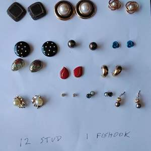 Lot 249-D:  Earring Lot #5