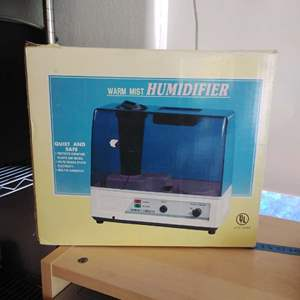 Lot 308 NIB Warm Air Humidifier