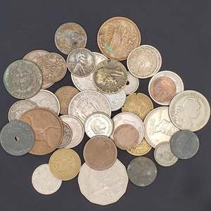 Lot 60 - Vintage World Coin Collection