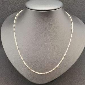 """Lot 70 - Sterling Silver Twisted Link Chain, 16"""""""