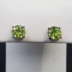 Lot 73 - Peridot, August Birthstone, 6mm round faceted cut Sterling Silver Stud Earrings