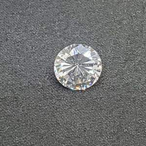 Lot 95 - 3.32ct 8mm Round Brilliant Cut Cubic Zirconium Stone for Jewelry Making, Imitation Diamond