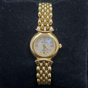 Lot 96 - Vintage Ladies ELGIN Made in Japan Quartz Movement Yellow Link Watch, Mother of Pearl Face, Not running