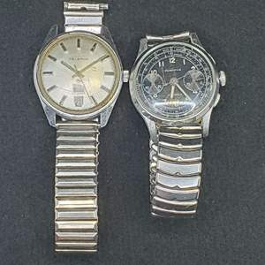 Lot 99 - Two Vintage Gents Watches: German Helbros day/date Forsythe 17 Jewels, early luminescent hands, telemeter