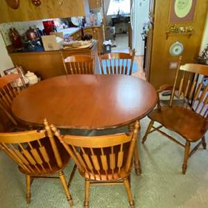 Lot # 106- TELL CITY Solid Maple Dining Table with Six Cattail Back Chairs, Two have arms, 8034 #48 Andover Finish.
