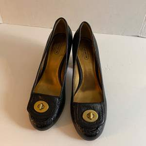 Lot # 165- Coach Shoes, Size 7, Barely if any wear.