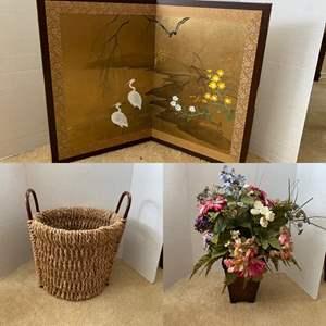 Lot # 254-  Beautiful Art Japanese Folding Screen, Woven Container, Floral Centerpiece.