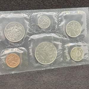 Lot 56 - 1983 Royal Canadian Mint Coin Set