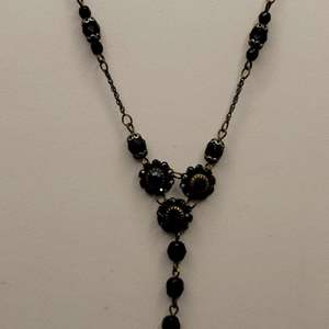 """Lot 74 - Vintage Floral Motif Stone Necklace """"1928"""" Brand Stamp, about 18"""""""