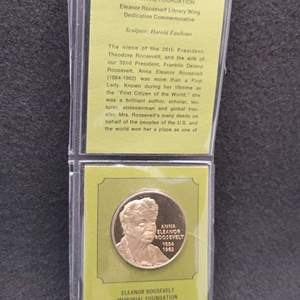 Lot 89 - Eleanor Roosevelt Sold Franklin Bronze / Proof / SCI-79 Commemorative