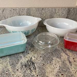 Lot # 8 - Pyrex Ovenware & Clear Glass Anchor Hocking Casserole