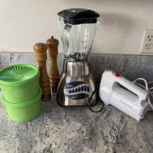 Lot # 9 - Tupperware * Oster Glass Blender * Betty Crocker Hand Mixer