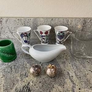 Lot # 14 - Misc. Kitchen Stuff * Salt & Pepper Shakers * 3 Mackintosh Mugs * Glass Pitcher