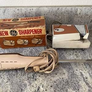 Lot # 19 - GE Knife Sharpener & Pencil Sharpener in 1! * GE Electric Knife