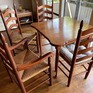 Lot # 30 - Cute Small Antique Table for 4 * 4 Wood Rattan Chairs in very good condition * Furniture