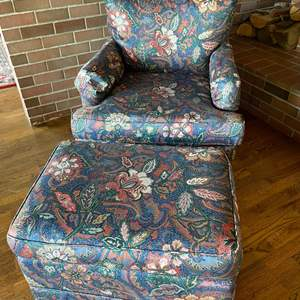 Lot # 31 - Fantastic Fabric Chair with Matching Ottoman * Very good Condition * Quality Made Dancraft * Furniture