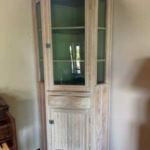 Lot # 36 - Gorgeous Grand Large Tall Corner Curio Cabinet * Quality Made * This is an absolute GEM! * Furniture