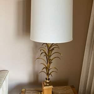 Lot # 37 - Gold Pineapple Lamp * Fabulous!