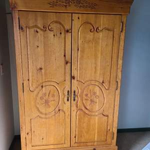 """Lot # 63 - Quality Made Armoire with Shelves and Drawers * Perfect for that space where an extra """"Closet"""" is needed * Furniture"""