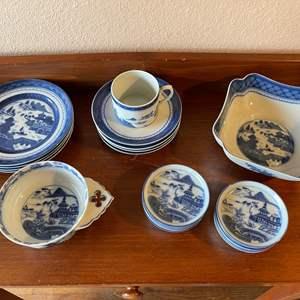 Lot # 77 - Blue/White Porcelain Set