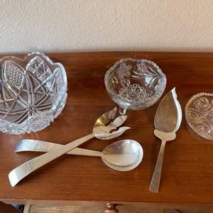 Lot # 85 - Gorgeous Cut Crystal Bowl * Serving Flatware
