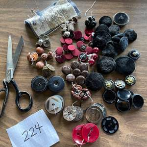 Lot # 224 - More Awesome Buttons!!