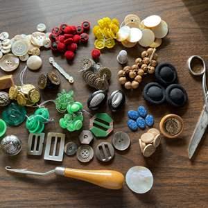 Lot # 225 - Buttons! * Button Hook * Scissors