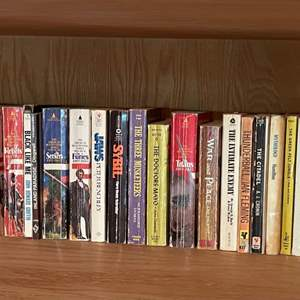 Lot # 241 - Eclectic Lot of Mostly Paperback Books * JAWS * SYBIL * Thunderball
