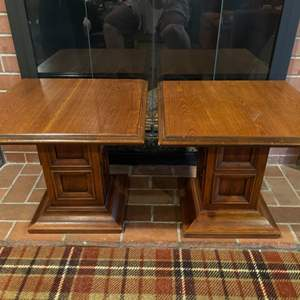 Lot # 246 - 2 Very well made and Beautiful Quality Hekman Lexington, N.C. Square Side Tables * Furniture