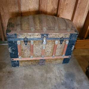 Lot #281 - Antique Domed Top Trunk