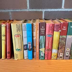 Lot #302 - Vintage Classics Books * Tom Sawyer * Wizard of Oz