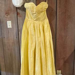 Lot #307 - Yellow Vintage Dress and Hat