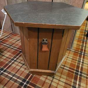 Lot # 332 - Mid Century Modern MCM Side Table * Furniture