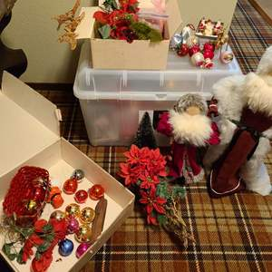 Lot # 335 - Holiday Decor * Spode * Vintage Santa