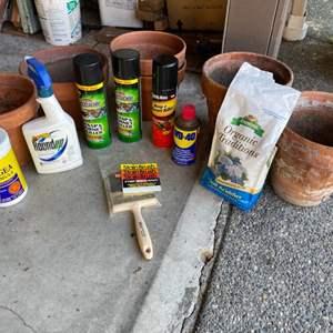 Lot# 358 - Flower Pots * Garden chemicals * Magikoter Stain Brush