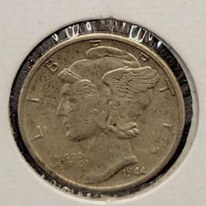 """Lot 28 - 1944-S SILVER Winged Liberty """"Mercury"""" Dime"""