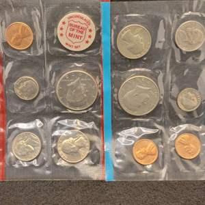 Lot 56 - 1972 P&D UNC United States Mint Sets