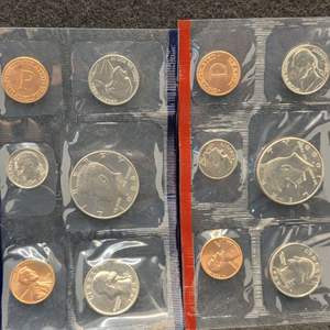 Lot 60 - 1988_P&D United States Mint Uncirculated Coin Sets