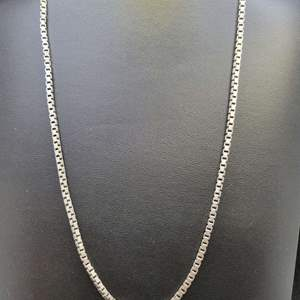 """Lot 95 - 20"""" Heavy Gents Sterling Silver Box Chain"""