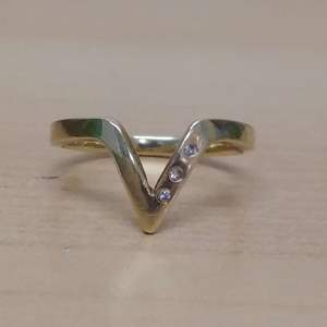 Lot #MW21 - 14K GOLD Size 10 Ring with 3 Small Diamonds Marked and Tested