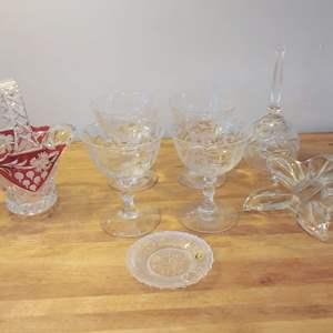 Lot #EL85 - Antique and Vintage Glassware