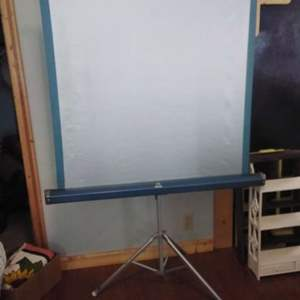 Lot #MW122 - Vintage Tower Projection Screen